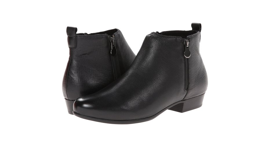 Munro Lexi ankle booties