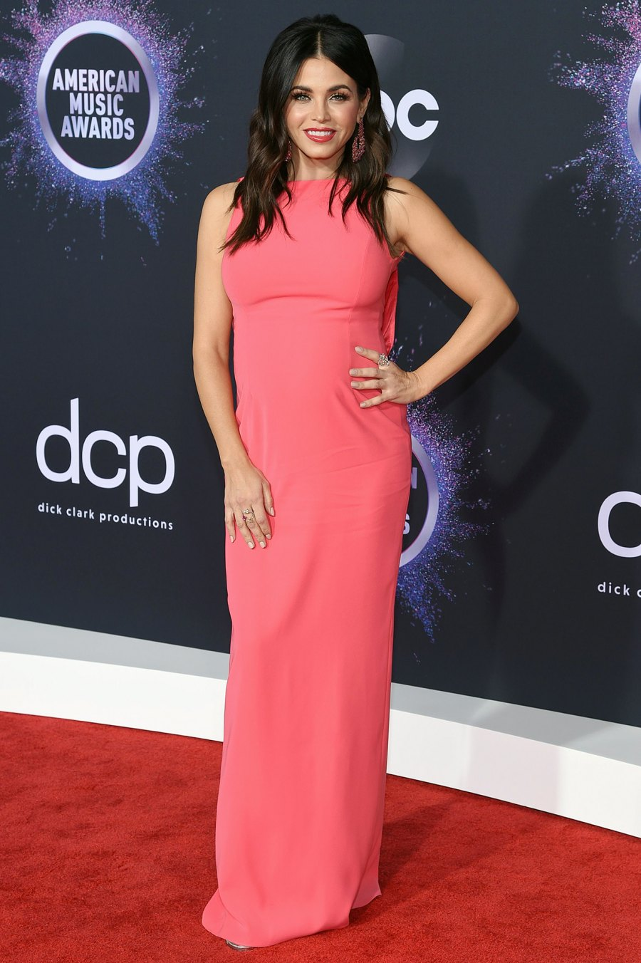 Pregnant Jenna Dewan Shows Off Baby Bump on AMAs 2019 Red Carpet