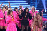 Shania Twain, Ciara and Taylor Swift AMAs What You Didn't See on TV