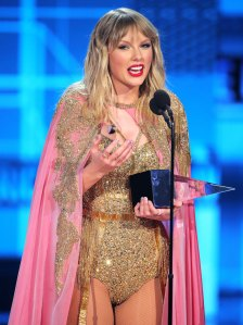 Taylor Swift Accepts Artist of the Decade Award AMAs 2019