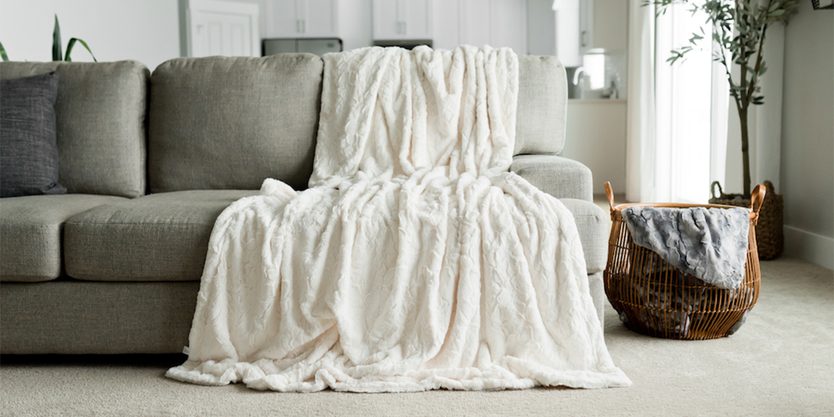 GRACED SOFT LUXURIES Oversized Faux-Fur Throw