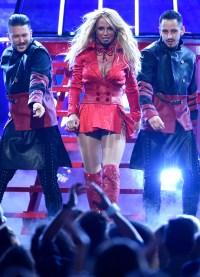 Britney Spears Performs 2016 Billboard Awards