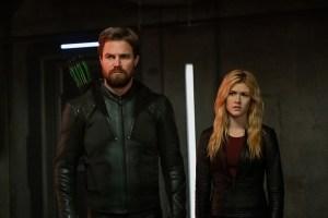 'Crisis on Infinite Earth' Cast Break Down Shocking Part 1 Death