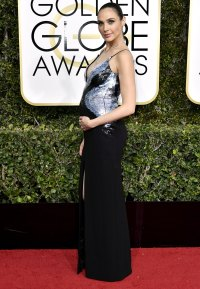 Gal Gadot Baby Bumps at the Golden Globes