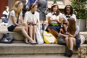 Gossip Girl's Josh Safran Reveals If Any of the New Cast Will Be Related to the Originals