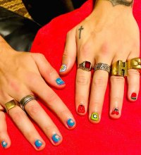 Harry Style's Best Manicures