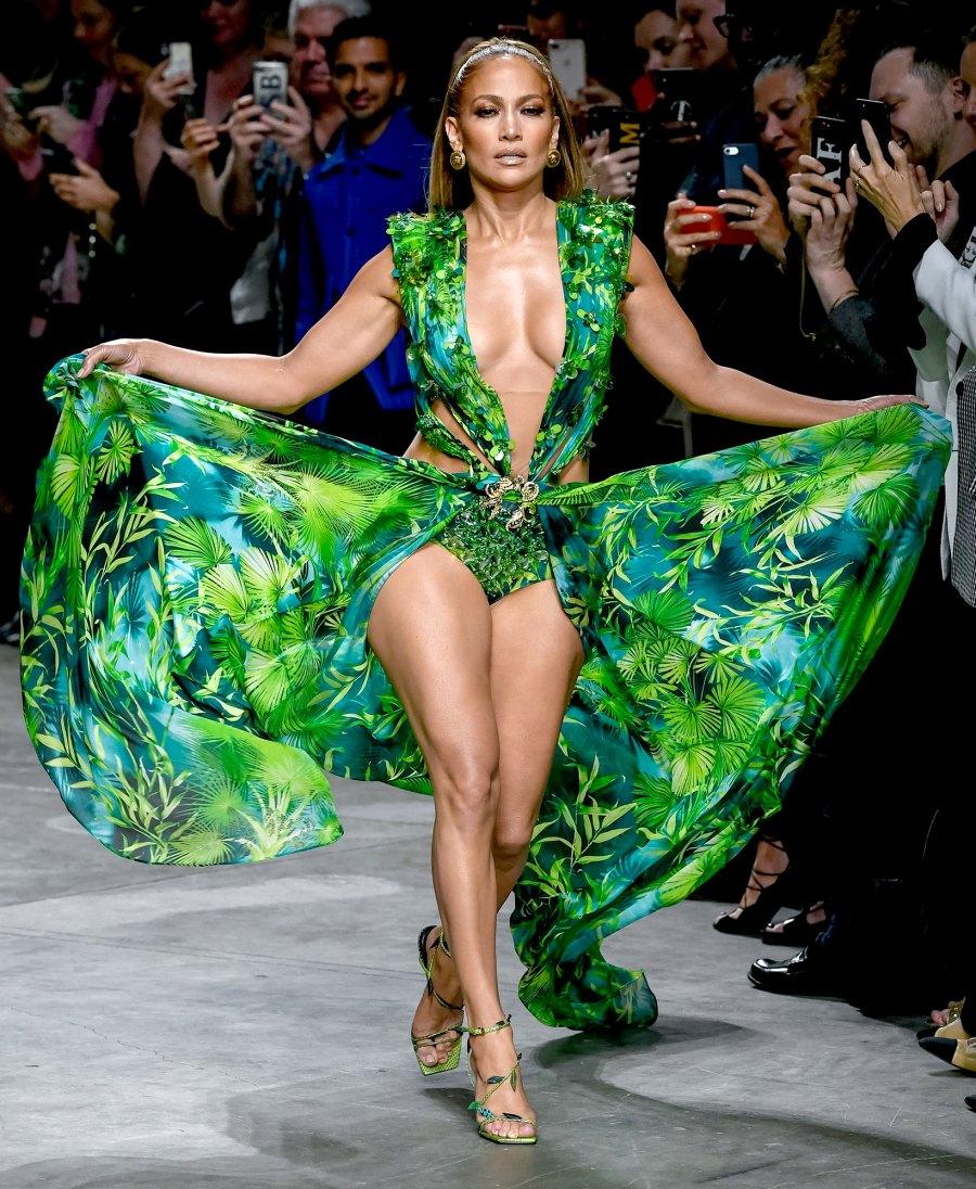 Jennifer-Lopez-Versace
