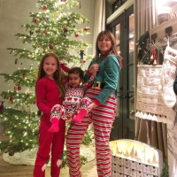 Jessica-Alba-and-Cash-Warren-Christmas-tree