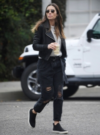 Jessica-Biel-Steps-Out-in-L.A.-Amid-Justin-Timberlake-Scandal