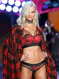 Karlie Kloss Comments On Victoria Secret Fashion Show Cancellation
