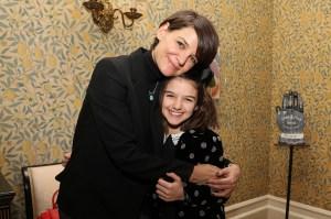 Katie Holmes Shares Rare Selfie With Daughter Suri 01 - كاتي هولمز تشارك نادر صورة شخصية مع ابنة سوري