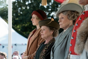 Maggie Smith Says 'Harry Potter,' 'Downton Abbey' Weren't 'Satisfying