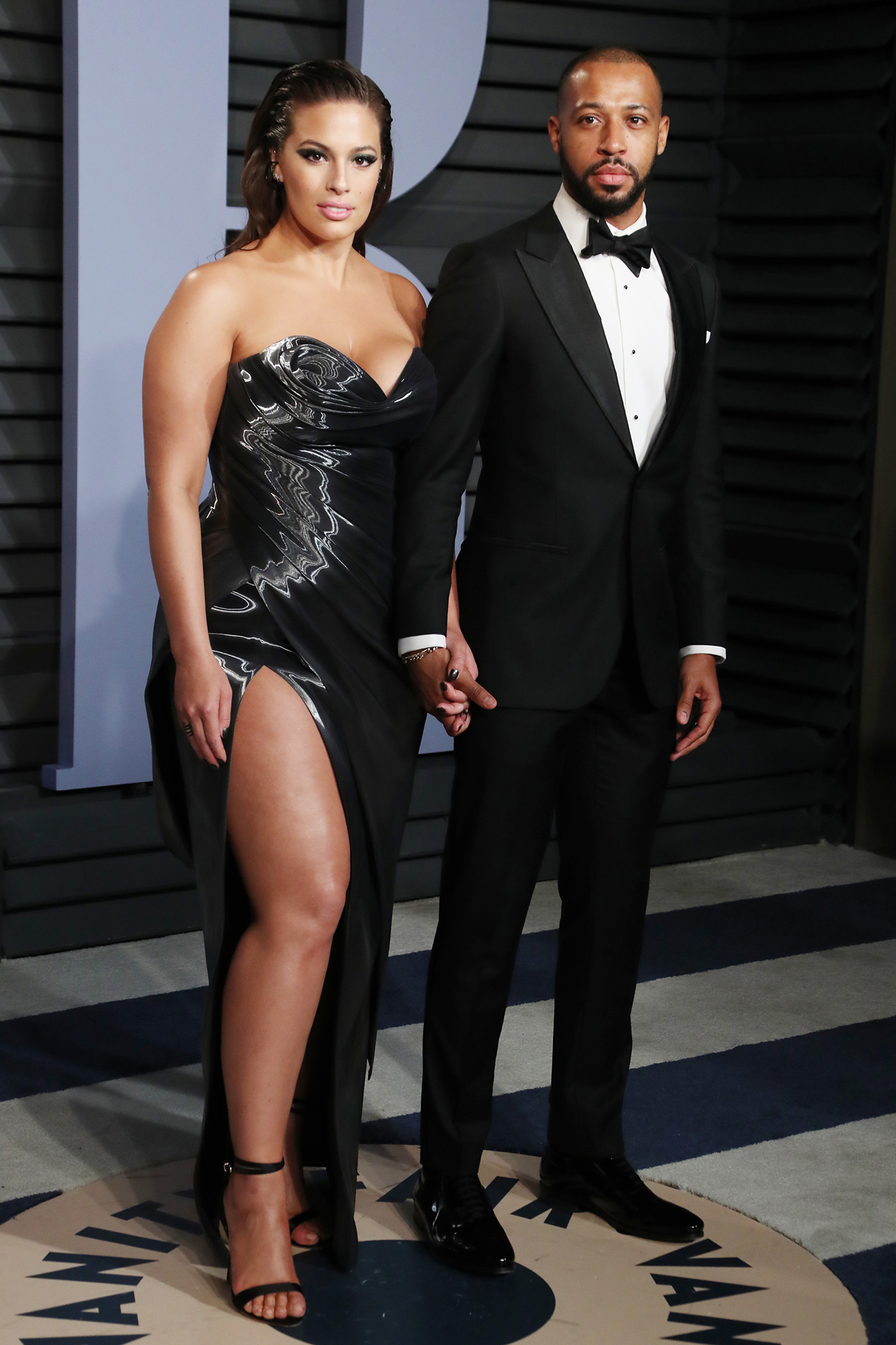 Pregnant Ashley Graham S Husband Photographs Her For Nude Maternity Shoot Healthmedicinentral