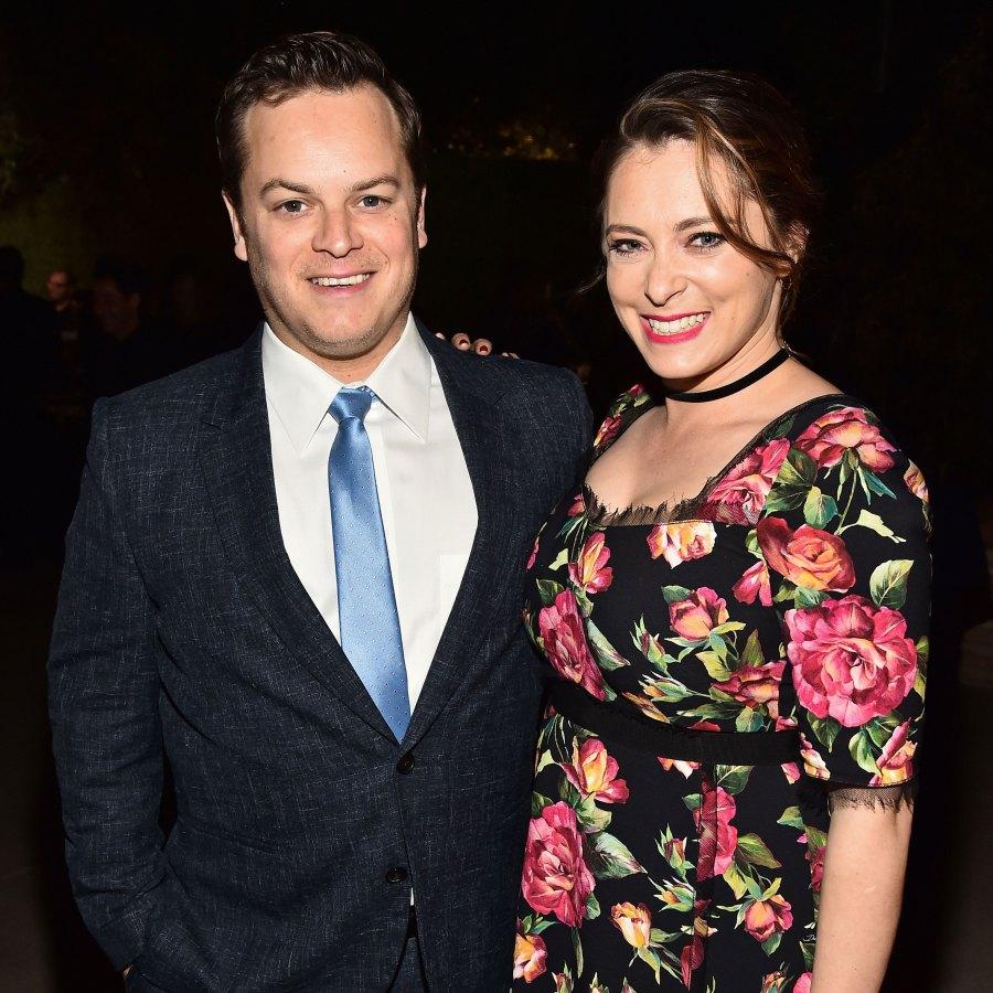 الحوامل راشيل بلوم وزوجها دان غريغور تقطعت بهم السبل في عاصفة ثلجية