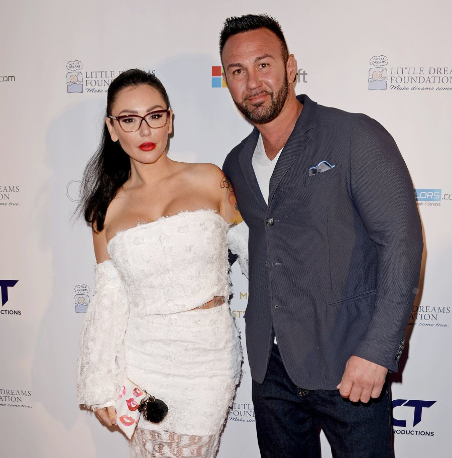 Roger-Matthews-and-Jenni-'JWoww'-Farley-Not-Spending-Christmas-Together-2