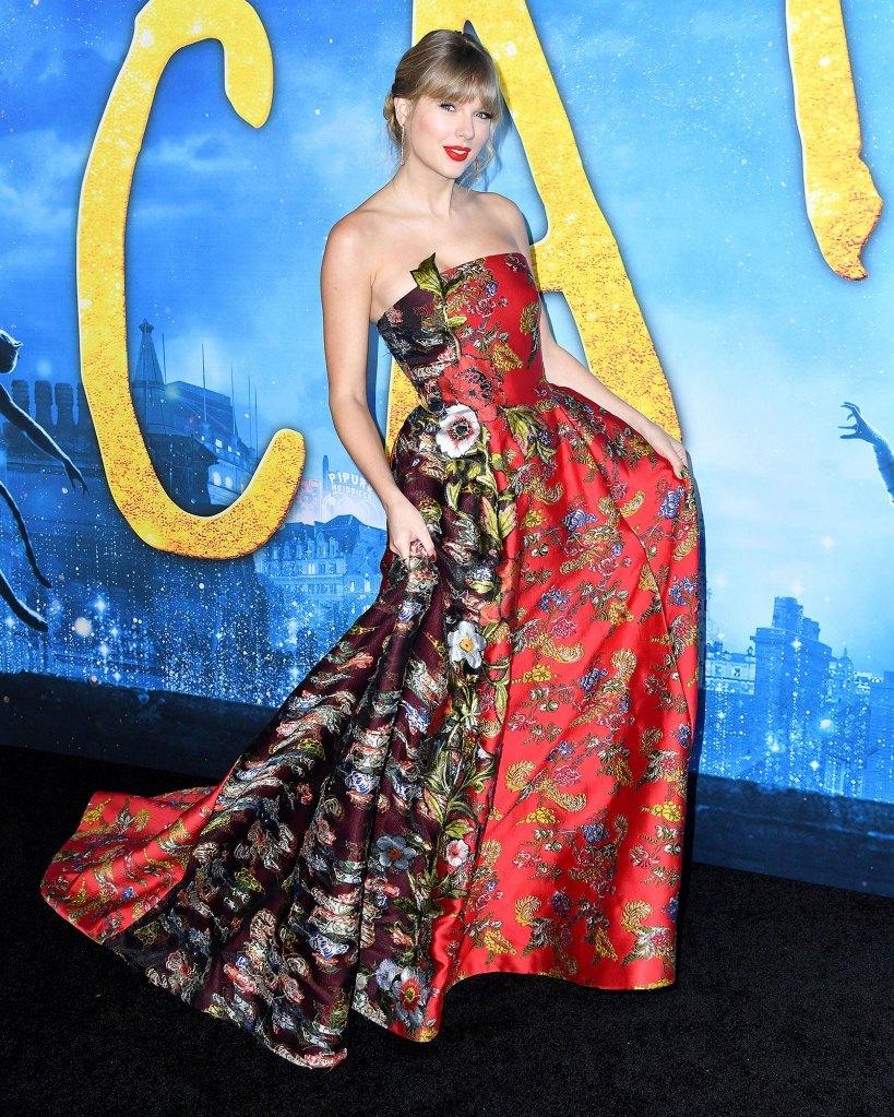 Taylor Swift Cats Premiere Wearing Oscar de la Renta