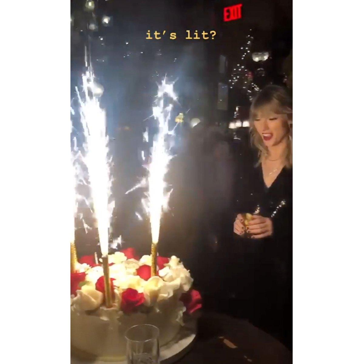 Admirable Taylor Swift Celebrates 30Th Birthday With Cat Cake Katy Perry Note Funny Birthday Cards Online Inifodamsfinfo