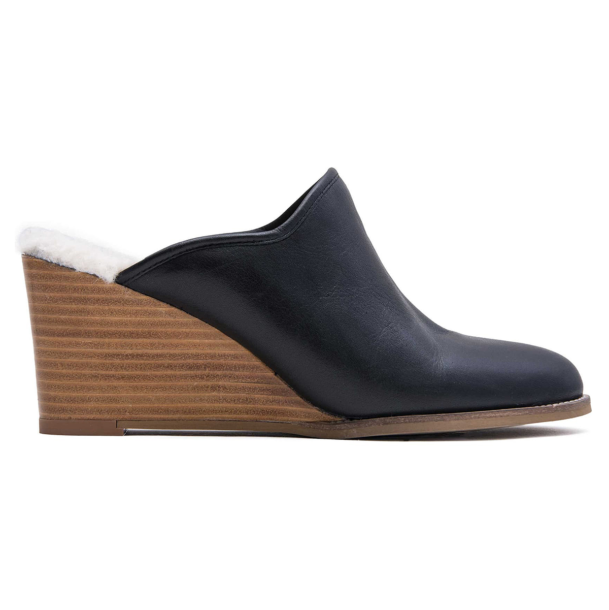 The Best Way to Wear Mules in the Winter (While Saving 30%)