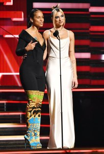 Alicia Keys' Makeup Artist Romy Soleimani Tells Us How She Nailed the Singer's Epic Grammys 2020 No-Makeup Makeup Looks Black Jumpsuit and Colorful Boots
