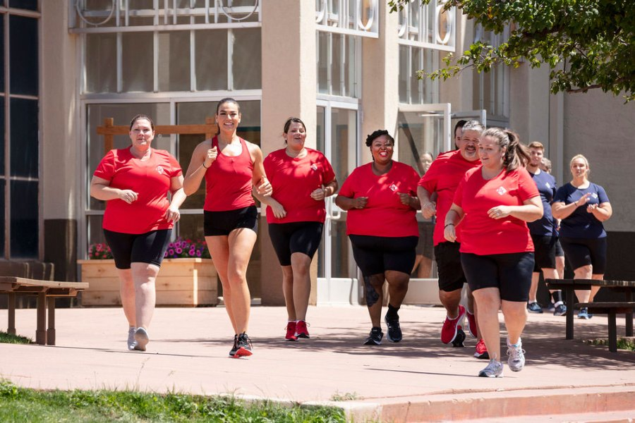 Biggest Loser Premiere Sends First Contestant Home Red Team