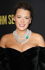"""Blake Lively Responds to """"The Rhythm Section"""" Makeup Fan Reaction"""
