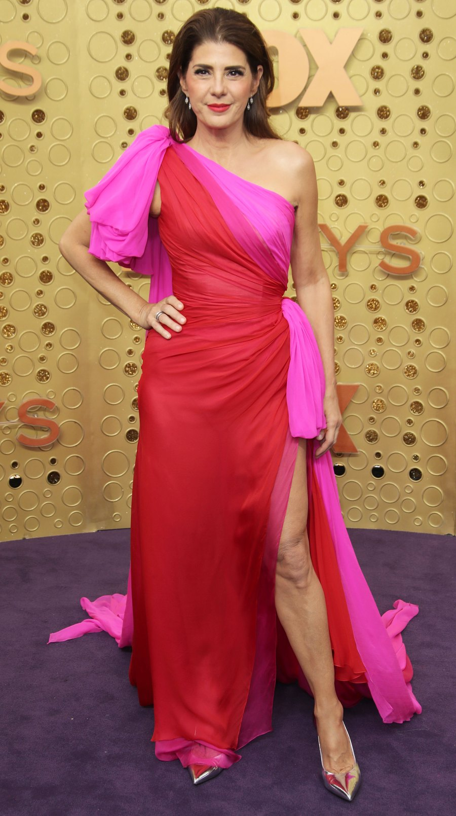 Celebs Wearing Red and Pink - Marisa Tomei