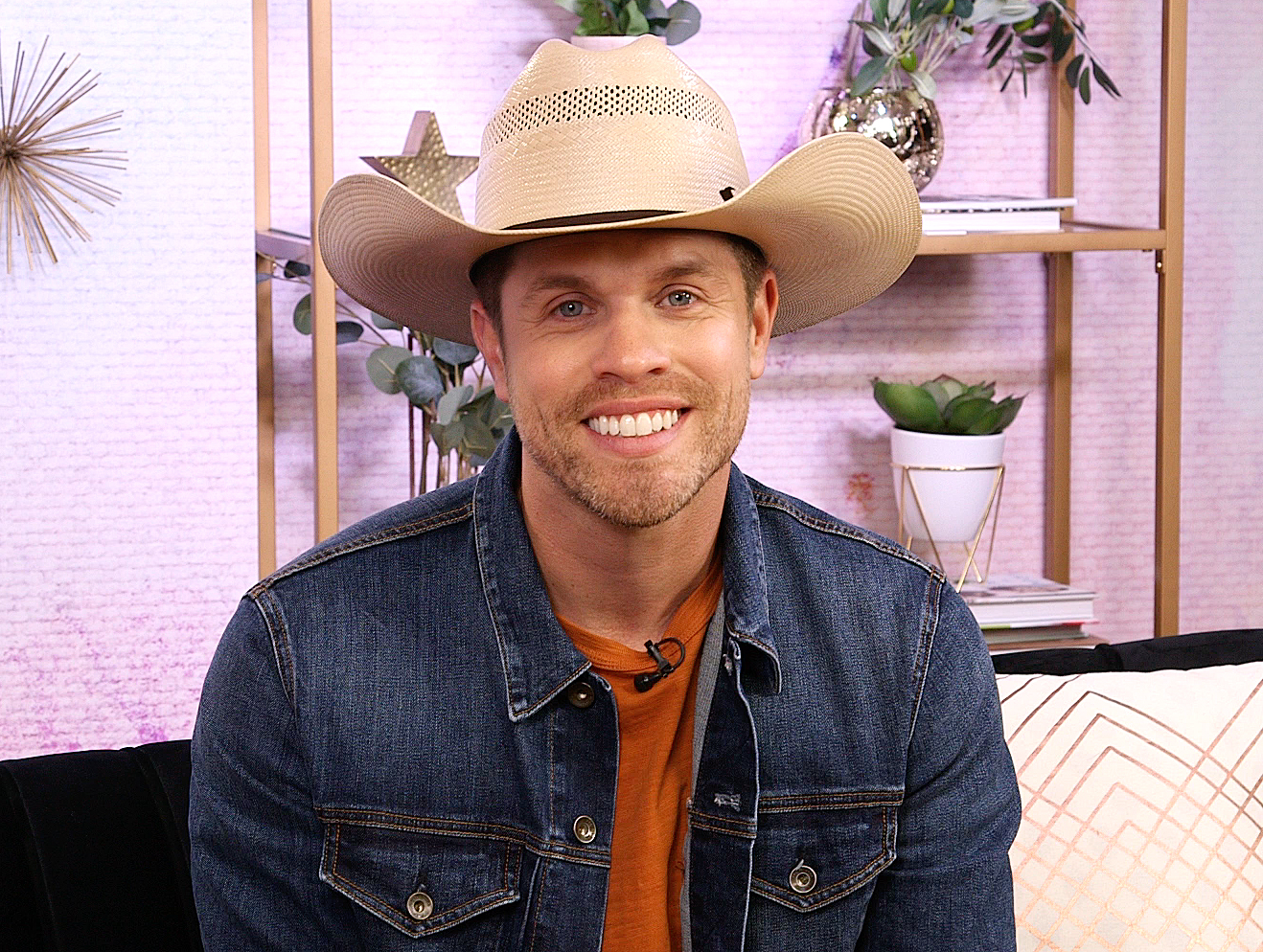 Dustin Lynch-Girlfriend-Kelli-Seymour-DMs-1
