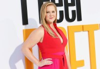 Generous Celebrity Tippers Amy Schumer