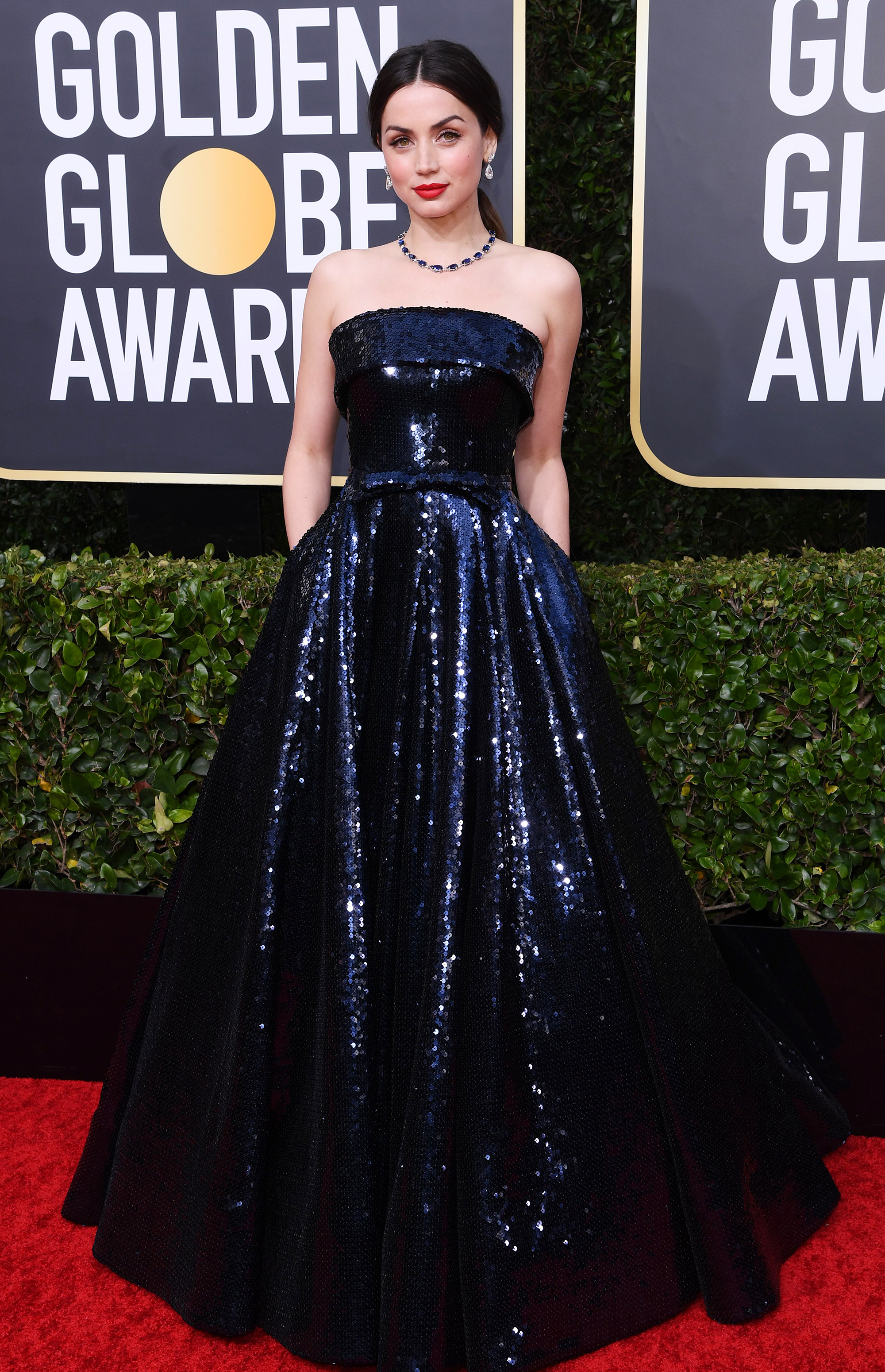 Golden Globes 2020 Red Carpet Fashion See Celeb Dresses Gowns