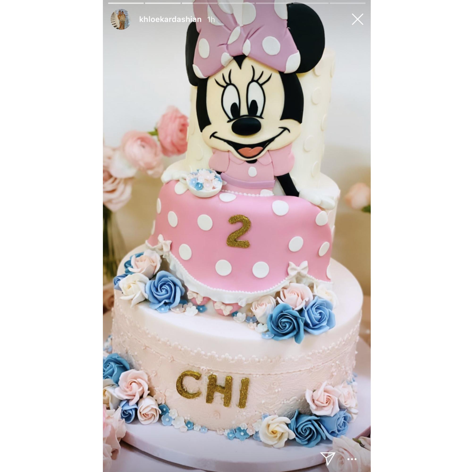 Pleasant Kim Kardashians Daughter Chicago Has Minnie Mouse Themed Birthday Personalised Birthday Cards Veneteletsinfo