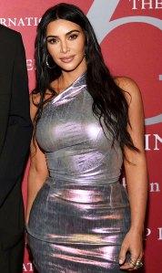 Kim Kardashian Gives Peek Inside Her Organized Kitchen Fridge 01 - كيم كارداشيان تشارك نظرة خاطفة داخل المطبخ المنظم ، الثلاجة: بلدان جزر المحيط الهادئ