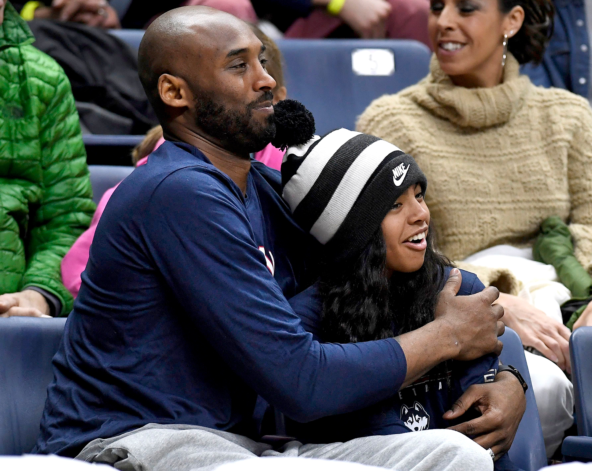 Kobe-Bryant-and-his-daughter-Gianna-Bryant-identified-helicopter-crash