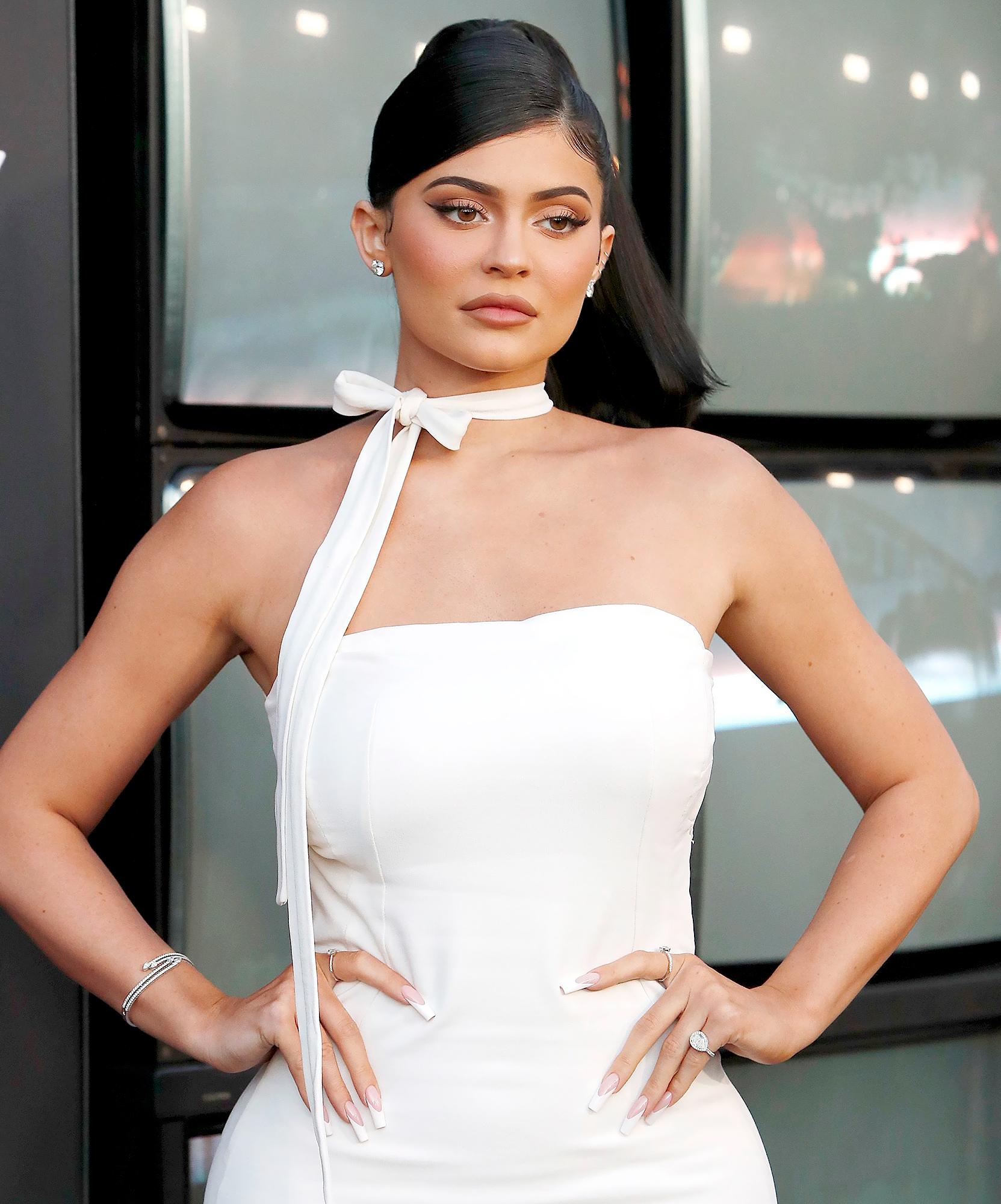 Kylie-Jenner-Slammed-for-Mourning-Australian-Animals-But-Wearing-Fur-Slippers