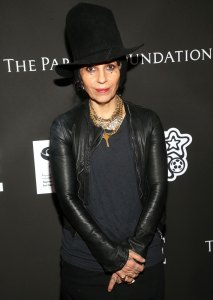 Linda Perry Is Correcting Her Parents Mistake Great Mom