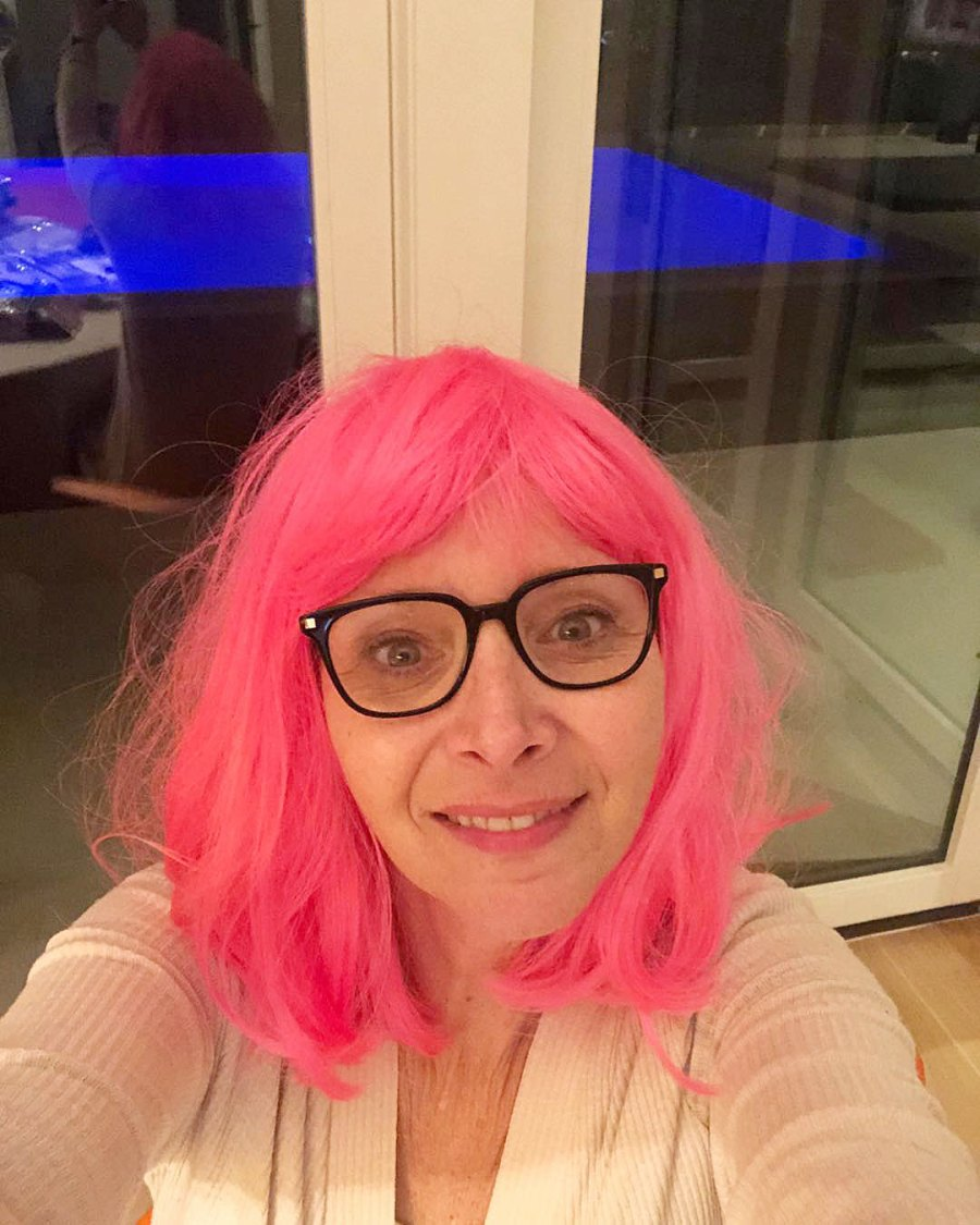 Lisa Kudrow in a Pink Wig How the Stars Celebrated New Years Eve 2020