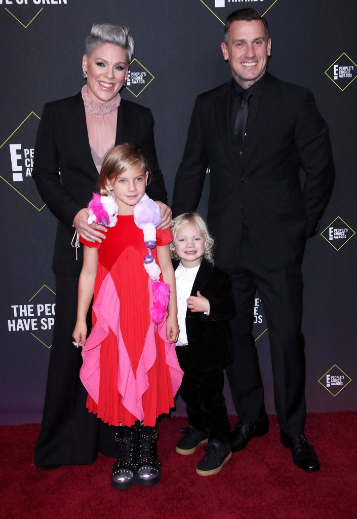 Pink, Carey Hart, Willow Sage Hart and Jameson Moon Hart 45th Annual People's Choice Awards