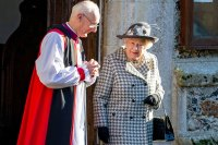 Queen Attends 1st Sunday Service Since Harry and Meghan's Official Royal Exit