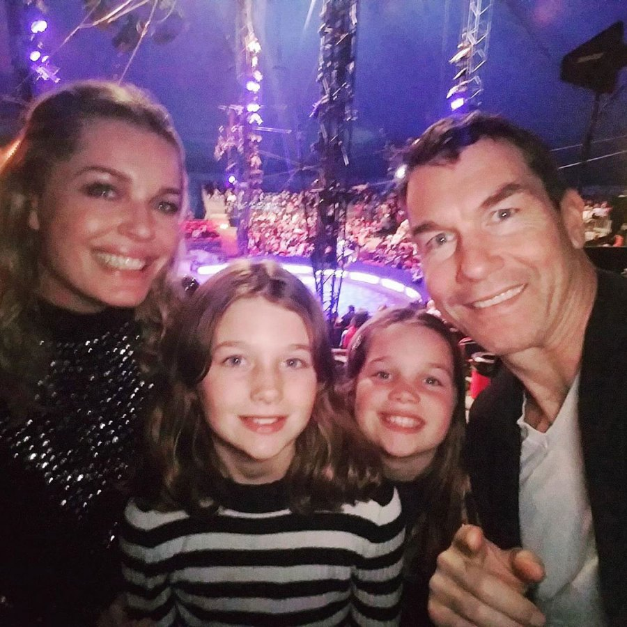 Rebecca Romijn Jerry O'Connell and Kids at Big Apple Circus How the Stars Celebrated New Years Eve 2020