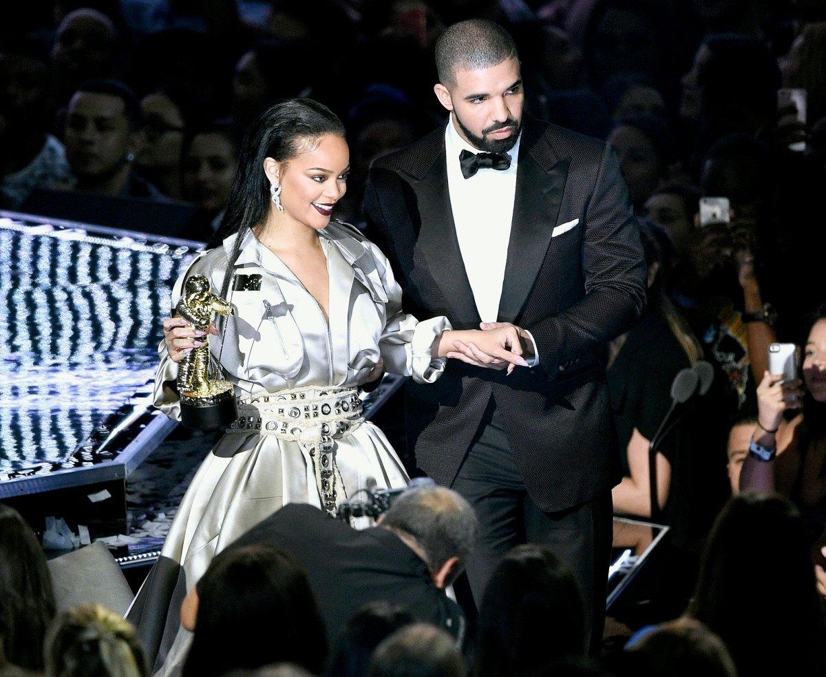 Rihanna dating 2016 dating sim naruto