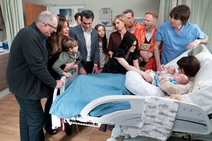 Sarah Hyland Didnt Know About Modern Family Death Still Spoiled It