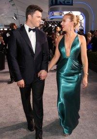 Scarlett Johansson Arrives With Colin Jost After Violent Illness SAG Awards 2020