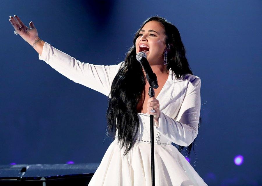 Stars React to Demi Lovato's Emotional Performance