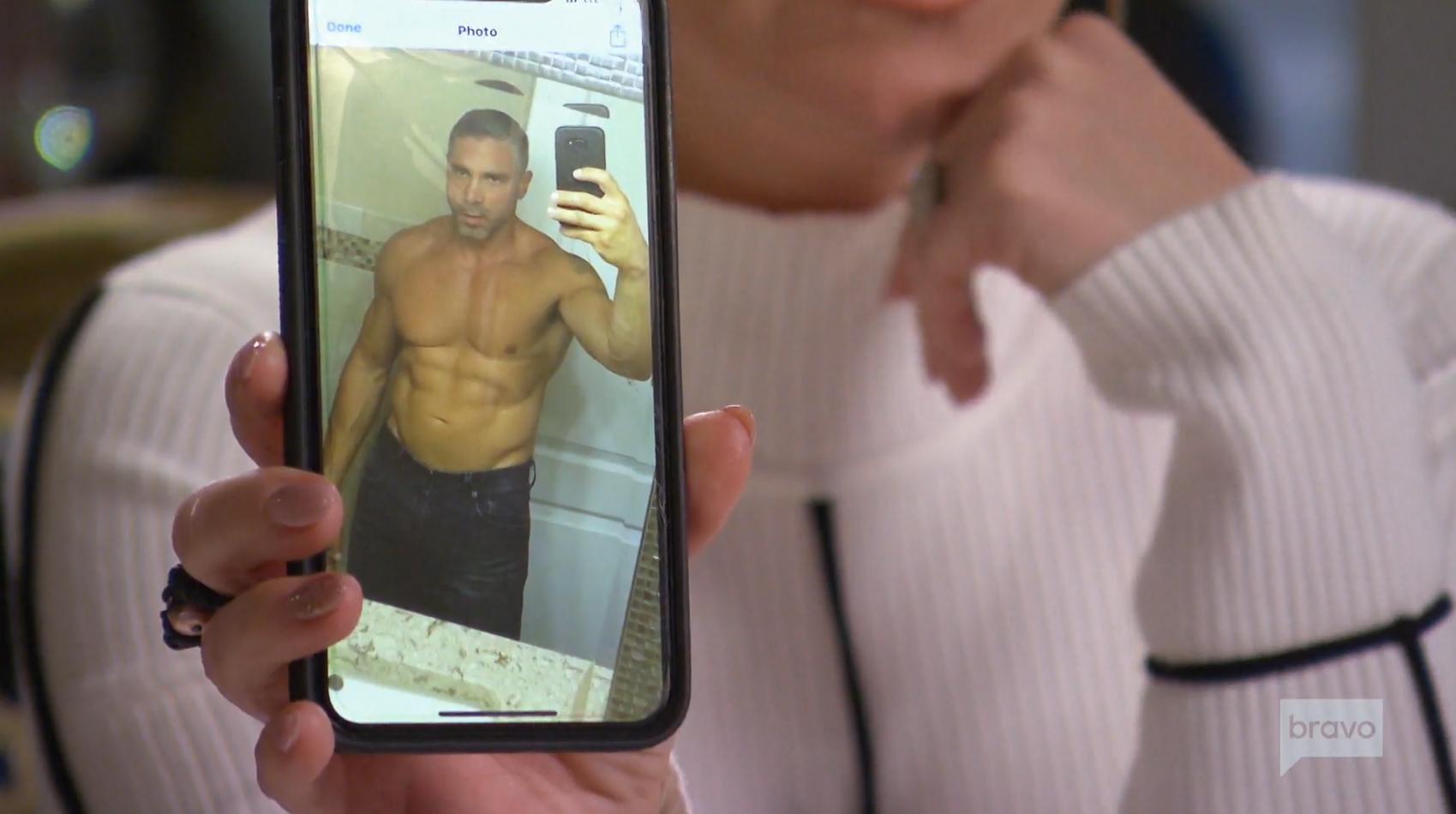 Teresa-Giudice's-Ex-Anthony-Delorenzo-Sends-Her-a-Shirtless-Selfie-1