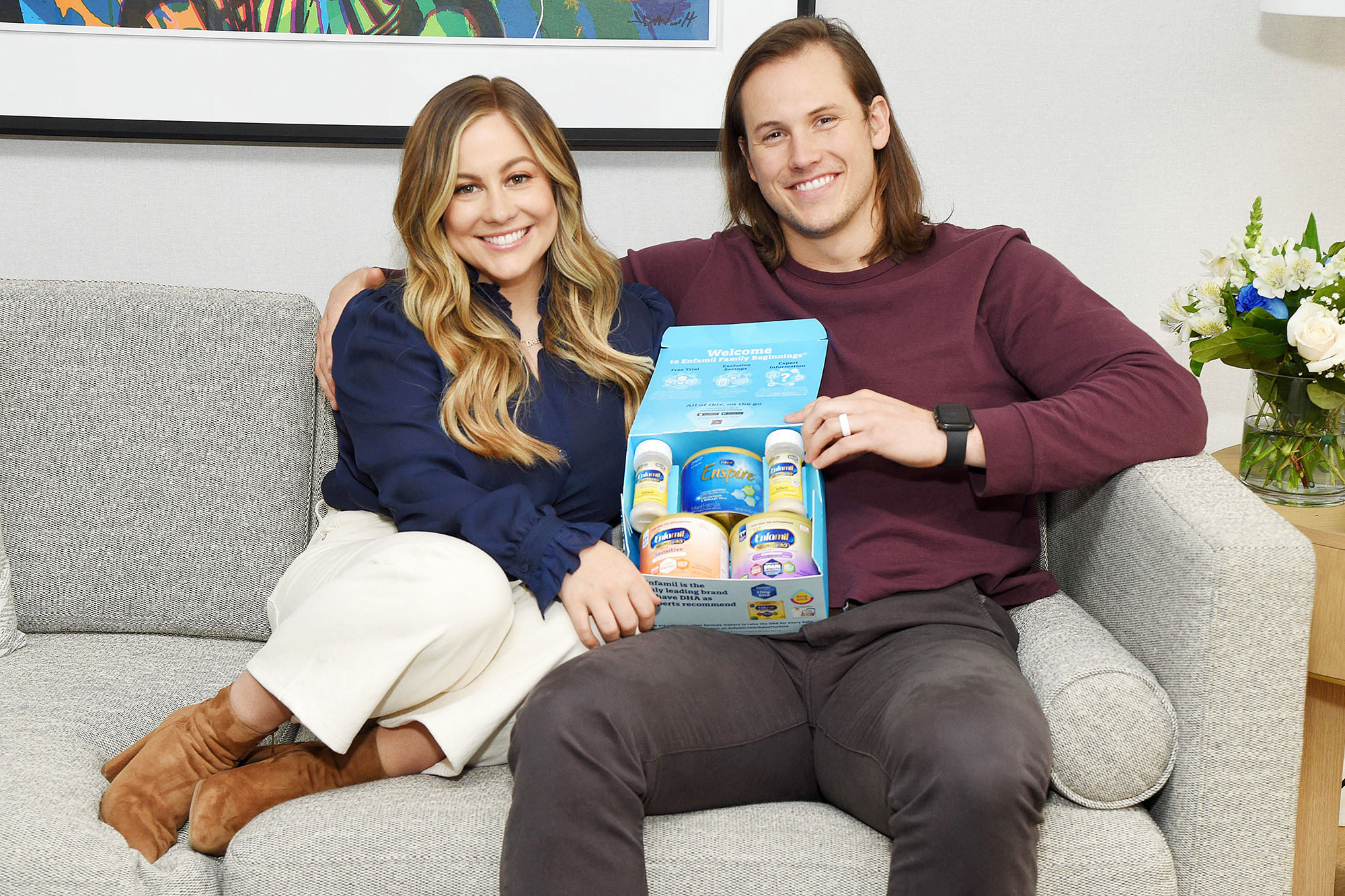 Shawn Johnson and Andrew East pack their baby bag with Enfamil Enspire
