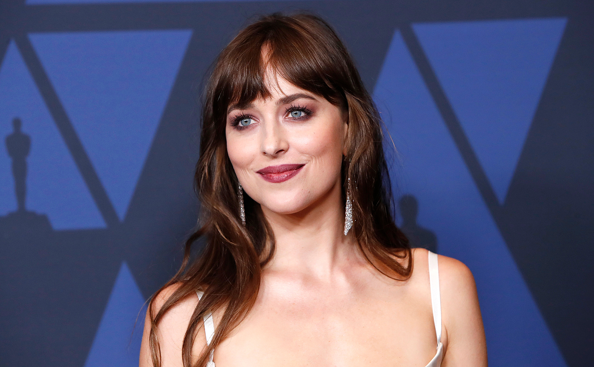 Coldplay-Debuts-'Cry-Cry-Cry'-Music-Video-—-Directed-by-Chris-Martin's-Girlfriend-Dakota-Johnson-p