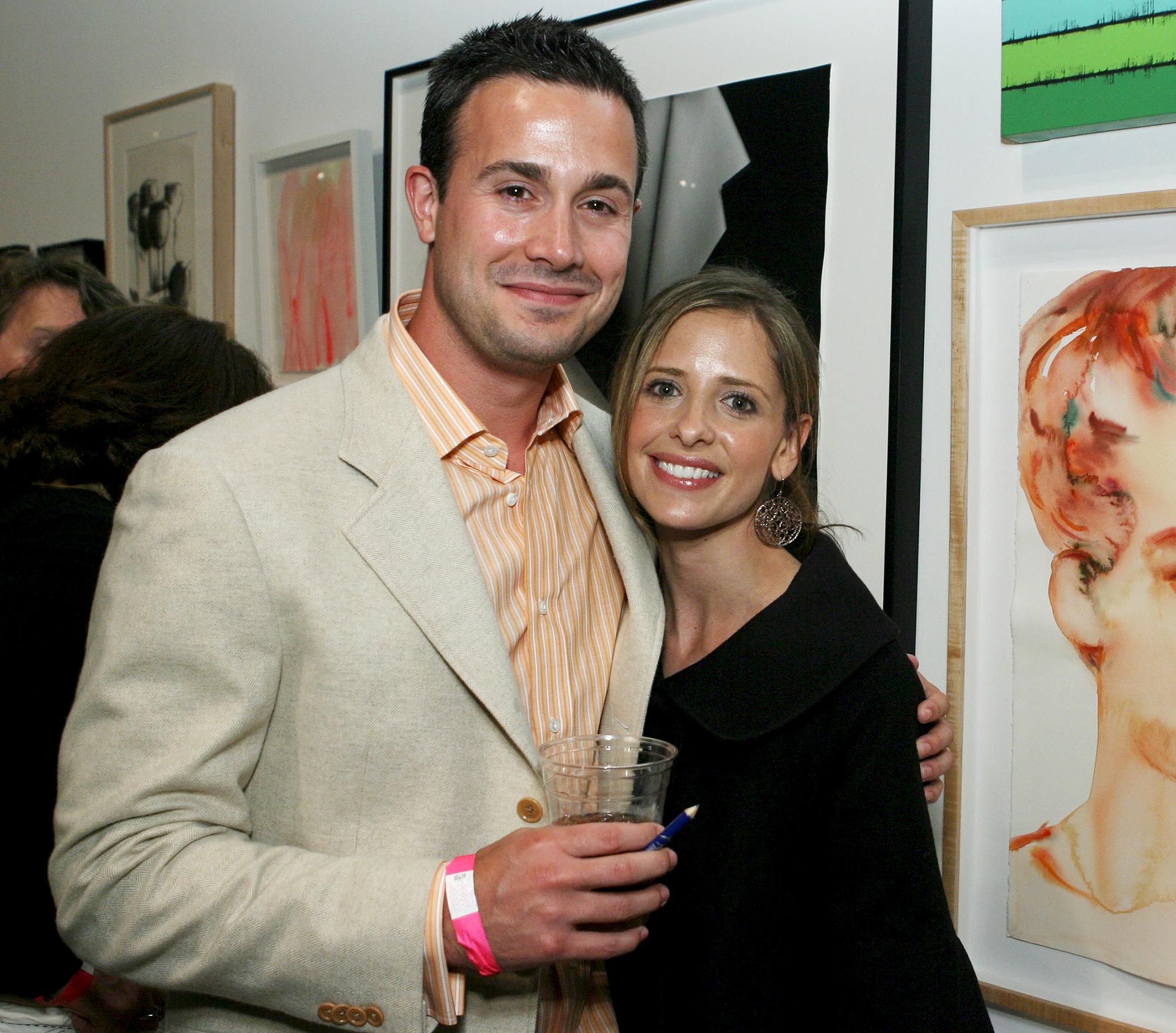 Freddie-Prinze-Jr.,-Sarah-Michelle-Gellar-Disagree-About-Who-Their-Kids-Look-Like