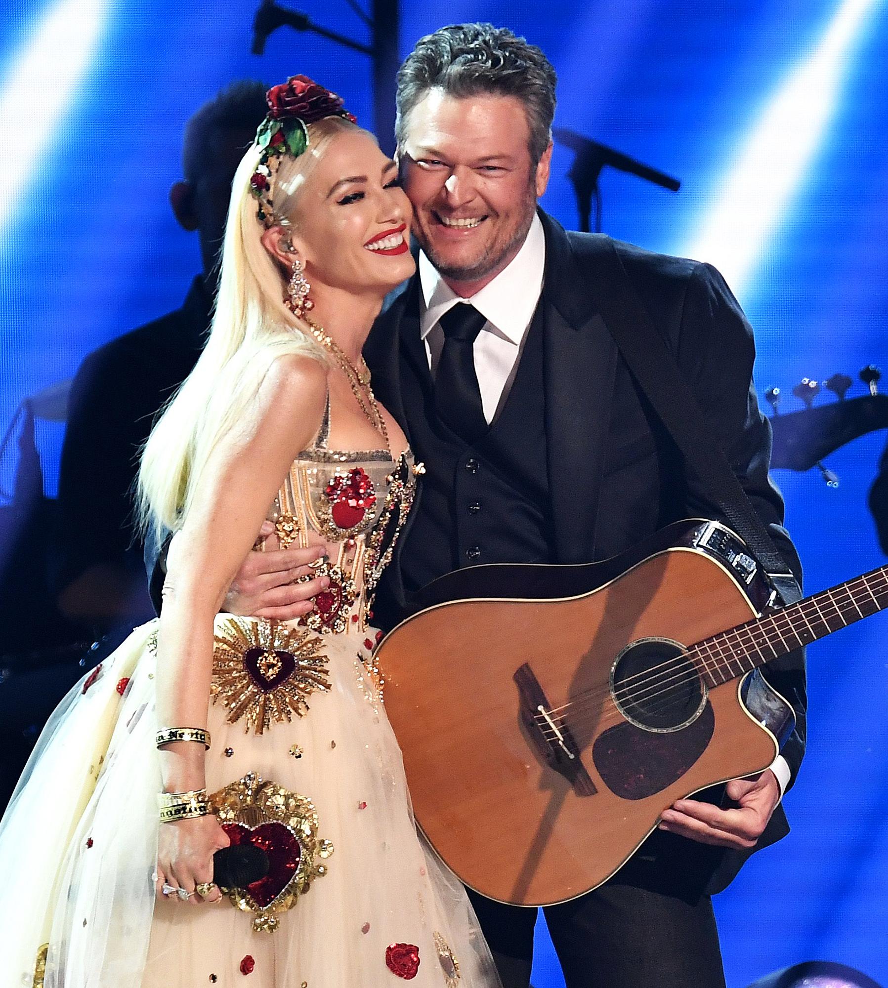 Gwen-Stefani-Climbs-All-Over-Blake-Shelton-During-Surprise-Duet-in-Las-Vegas