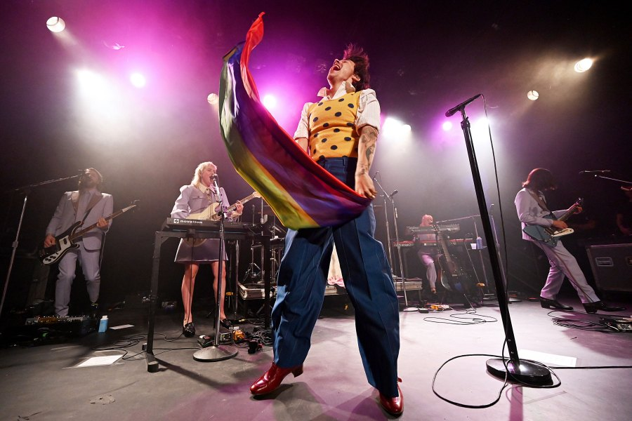Harry Styles Brings 'Fine Line' to New York City With Secret Concert