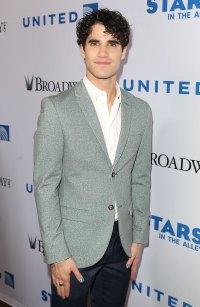 Hollywood Men Wearing Nail Polish - Darren Criss