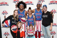 Jason Sudeikis, Olivia Wilde and Their Kids Played With the Globetrotters